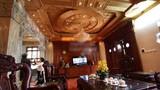 Lộ nội thất gỗ quý của biệt thự chuẩn Pháp ở HN