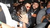 Selena Gomez và The Weeknd âu yếm nhau giữa chốn đông người