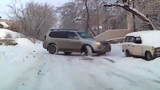Cách lái xế hộp cừ khôi trên tuyết trơn trượt