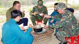 """Bộ đội """"ăn rừng, ngủ núi"""" chống dịch Covid-19"""