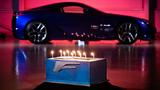 Lexus LFA kỷ niệm sinh nhật 10 năm bằng màn thổi nến siêu độc