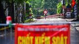 30 chốt chặn cứng ngăn người dân vào vùng dịch ở Hà Nội