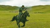 Lạ chưa: Thế kỷ 21, quân đội Trung Quốc vẫn tổ chức kỵ binh