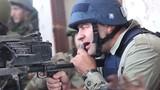 Clip diễn viên Nga bắn súng máy ở sân bay Donetsk