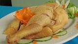 Mẹo chặt thịt gà luộc bày đĩa bầu dục cực đẹp