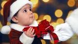 Vài phút múa tay biến quần áo cũ thành trang phục Noel đẹp