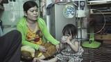 Vụ bé trai rơi xuống cống: Người mẹ khóc ngất gọi tên con