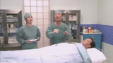 Hài hước màn phẫu thuật đập ruồi ở Nhật Bản