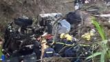 Hiện trường thảm khốc xe bồn đâm xe khách ở Hòa Bình