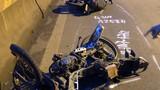 Tai nạn liên hoàn ôtô tông 3 xe máy tan nát, húc sập cổng nhà dân