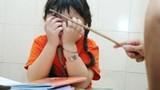 Cô giáo bị tố đánh học sinh lớp 4 bầm tím người