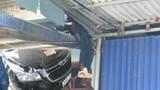 Ô tô đâm cháu bé 10 tuổi bắn lên mái nhà ở Thái Nguyên: Tài xế có cồn?