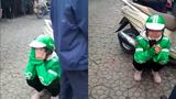 Đau xót cảnh nữ tài xế Grab khóc nức nở giữa phố vì bị khách lừa