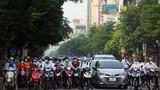 Đường Hà Nội lại đông đúc xe cộ như chưa hề có COVID-19