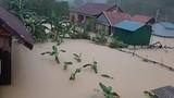 Nước ngập lút nóc nhà ở rốn lũ Tân Hóa