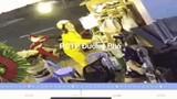 Video: Nữ quái trộm điện thoại nhanh như chớp trong cửa hàng sinh tố