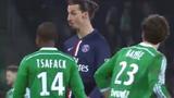 Cuộc đối thoại sặc cười giữa hai cầu thủ bóng đá