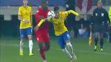 """Neymar """"làm xiếc"""" trên sân cỏ khiến vạn người trố mắt"""