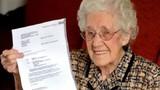 Cụ bà 100 tuổi ngã ngửa vì bệnh viện báo có thai