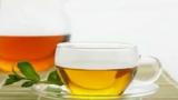 Những công dụng làm đẹp bất ngờ của nước trà xanh