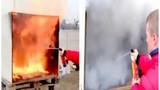 Xem bình chữa cháy mini dập lửa trong thực tế