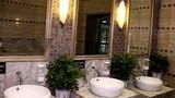 Nhà vệ sinh công cộng tiện nghi như khách sạn 5 sao ở TQ