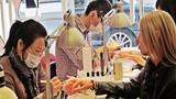 Ly kỳ chuyện làm nail của người Việt tại nước ngoài