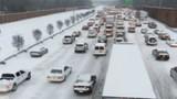 Vì sao đường cao tốc Mỹ có tường chắn bê tông?