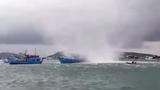 Video:  Vòi rồng khổng lồ xuất hiện ở Phú Quốc, nhấn chìm tàu cá