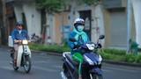 Sài Gòn se lạnh bất chợt, người dân thích thú