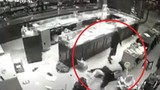 Video: 3 kẻ đi ô tô cướp tiệm vàng ở Sơn La