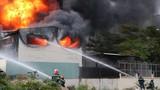 Cháy kinh hoàng sau tiếng nổ lớn, hàng trăm công nhân tháo chạy