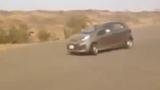 Clip: ôtô drift lao xuống vực