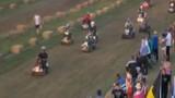 Đua máy cắt cỏ như đua xe công thức 1 ở Anh