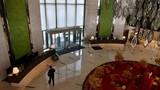 """Bên trong khách sạn """"ma"""" 5 sao giữa ổ dịch Vũ Hán"""