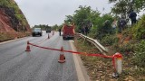 Xe tải lao xuống vực sâu trăm mét, 3 người thương vong
