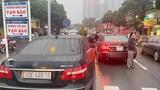 Vụ 2 xe Mercedes trùng biển số tại Hà Nội: Ai là chủ xe thật?