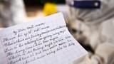 """Bức thư cảm ơn của người mẹ và bài thơ gọi bác sĩ chống dịch là """"những thiên thần"""""""