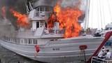 Cháy tàu trên Vịnh Hạ Long: Đừng để mất bò mới lo làm chuồng