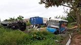 Thái Bình: Tai nạn liên hoàn xe khách húc bay xe con, 2 người tử vong