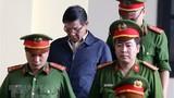"""Xét xử ông Phan Văn Vĩnh: """"Có thế lực lớn bảo kê, cứ yên tâm làm"""""""