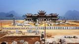 Cảnh ngổn ngang trong chùa lớn nhất thế giới của đại gia Văn Trường