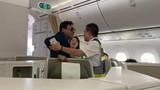 Cựu sếp Đất Lành Vũ Anh Cường sàm sỡ khách nữ Vietnam Airlines không hề say xỉn?