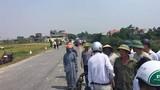 Xe chở cơm mất lái đâm hàng loạt người đi đường, 2 học sinh tử vong
