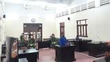 Dí dao vào cổ đe dọa Chủ tịch phường đi phòng chống dịch COVID-19: Lĩnh 18 tháng tù