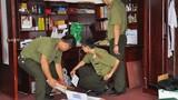 Đang khám xét khẩn cấp 1 cán bộ và lái xe của Chủ tịch TP Hà Nội