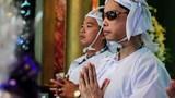 Ca sĩ Ngọc Sơn sụt 7kg vì cha qua đời