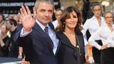 Mr Bean ly hôn để cặp bồ trẻ kém gần 30 tuổi