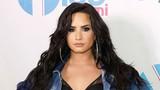 Demi Lovato tụ tập bạn bè thâu đêm trước khi sốc thuốc