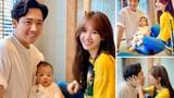 """Chụp ảnh với cháu, Trấn Thành - Hari Won ra dáng """"bố mẹ bỉm sữa"""""""